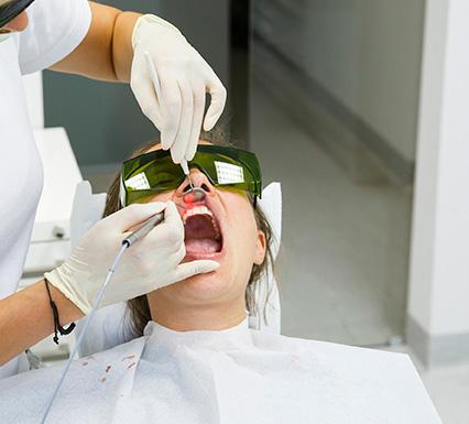 כאבי שיניים טיפול בלייזר רך